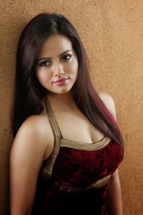 honest-and-jazzy-pakistani-and-indian-escorts-in-dubai-amica-ria.jpg